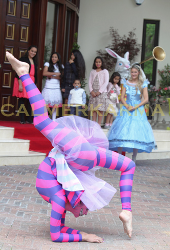 ALICE IN WONDERLAND THEMED ENTERTAINMENT CHESHIRE CAT CONTORTIONIST AND ALICE