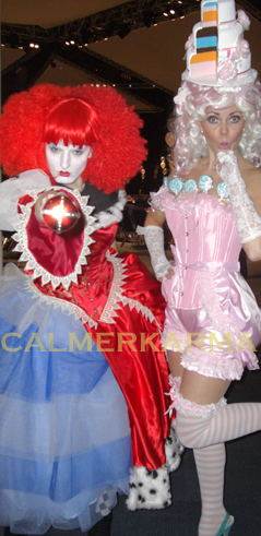 ALICE IN WONDERLAND AND THROUGH THE LOOKING GLASS THEMED  ENTERTAINMENT - RED QUEEN AND CAKE TADAH HOSTESS -UK ACTS