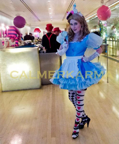 ALICE IN WONDERLAND THEMED ENTERTAINMENT - ALICE PALMIST TO HIRE - LONDON, MANCHESTER