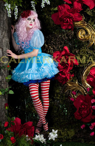 ALICE IN WONDERLAND THEMED ENTERTAINMENT - ALICE HOSTESS ACT MANCHESTER