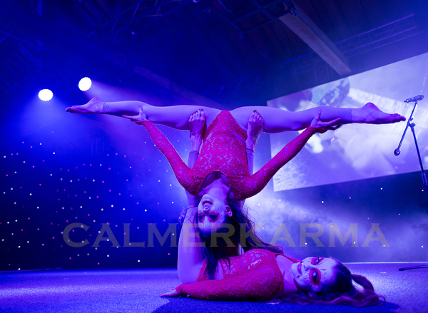 CIRCUS THEMED ACTS - DOUBLES CONTORTION