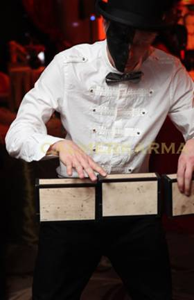CIRCUS THEMED ACTS - CIGAR BOX JUGGLING