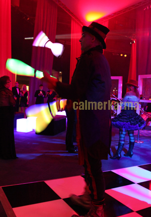 CIRCUS THEMED ACTS - GLOW JUGGLING