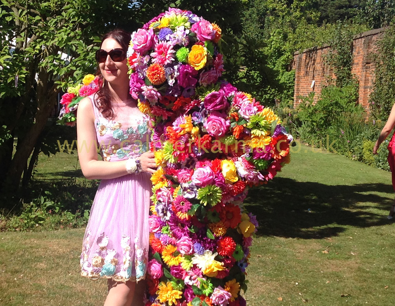 GARDEN & FLORAL THEMED ENTERTAINMENT - BLOSSOM IN HUGS FLOWER PEOPLE TO HIRE