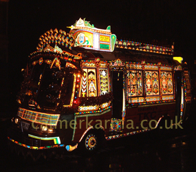 THE BOLLYWOOD BUS - PLAYS BOLLYWOOD MUSIC - HIRE UK