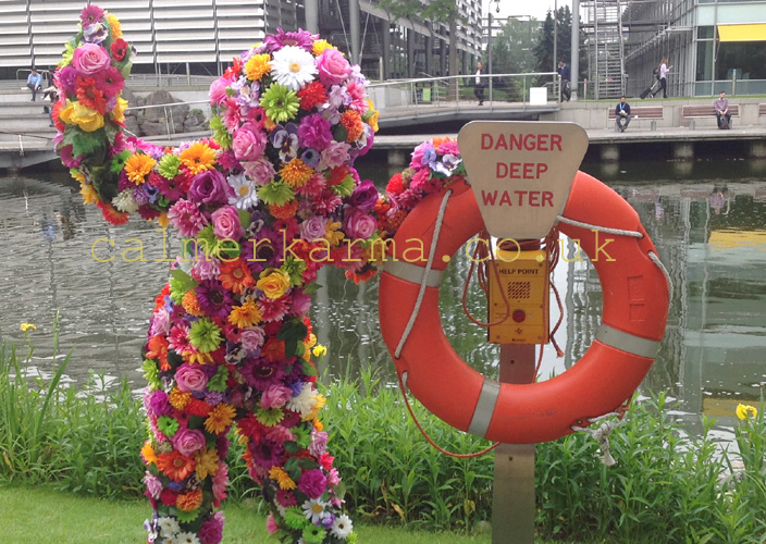 GARDEN THEMED ENTERTAINMENT  -LIVING FLOWER MAN ACT TO HIRE