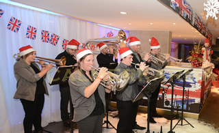 CHRISTMAS PARTY ACTS TO HIRE - BANDS PLAYING CAROLS