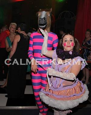 CIRCUS THEMED ENTERTAINMENT - DWARF AND HORSEPUSS WALKABOUT ACT UK