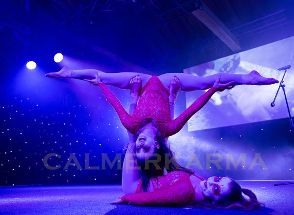 CONTORTIONISTS - CONTORTION DOUBLE ACT TO HIRE LONDON UK