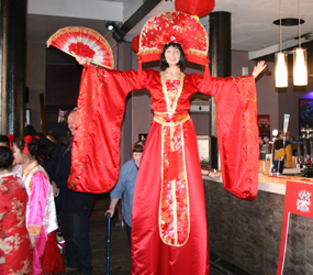 CHINESE NEW YEAR ENTERTAINMENT - CHINESE STILT WALKER ACTS HIRE