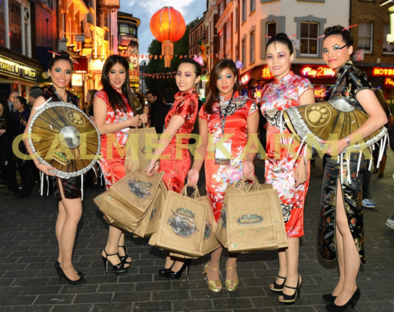 CHINESE-HOSTESSES-TO-HIRE-DRINKS+CANAPES-UK