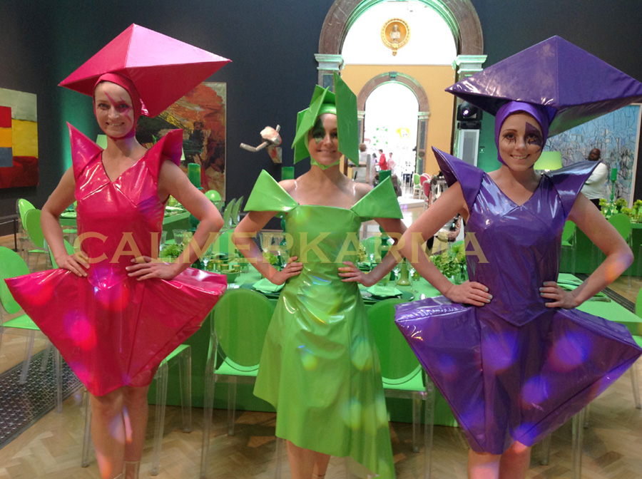THE FASHIONISTAS ACT PERFECT FOR ART, SURREAL OR FUTURISTIC THEMED EVENTS