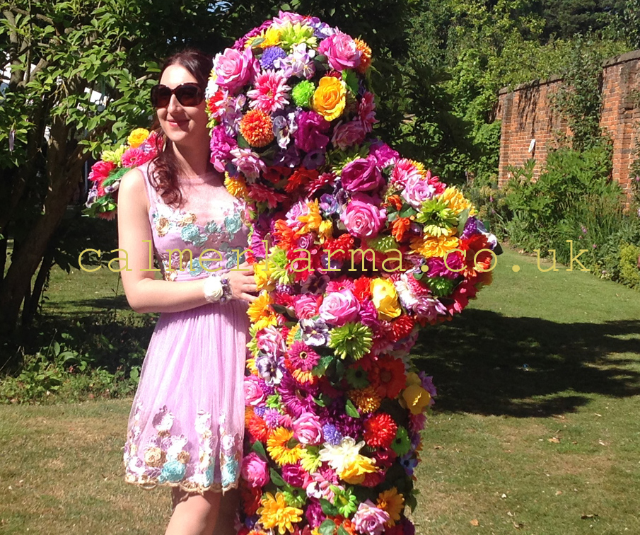 FESTIVAL THEMED ENTERTAINMENT - FUN INTERACTIVE FLOWER MAN BLOSSOM IN HUGS