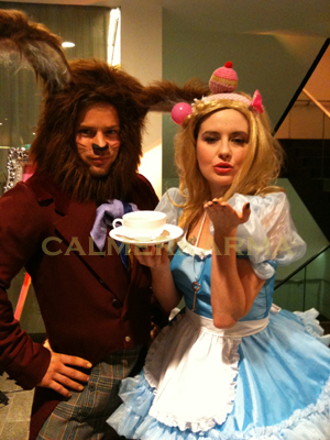 TEA LEAF READERS -THEMED EVENTS - ALICE IN WONDERLAND
