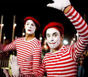 FRENCH THEMED ENTERTAINMENT  - MIME ARTISTS COMICAL FUN ACT
