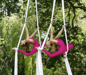 garden & woodland themed aerial acts hire