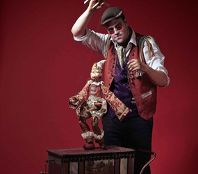 HALLOWEEN - MIX AND MINGLE ACTS - THE TWISTED PUPPETEER ACT- HAUNTED TOY SHOP