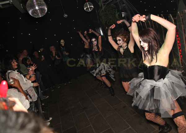HALLOWEEN THEMED ENTERTAINMENT - ZOMBIE DOLLS -THRILLER DANCERS & FLASHMOB