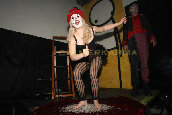 HALLOWEEN THEMED ACTS - GLASS JUMPING!