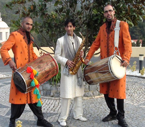 bollywood and indian summer - dhol and saxaphone players