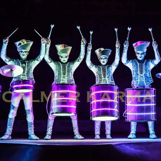 LED DRUMMERS FOR PARADES & PARTIES -LIGHT UP WINTER NIGHTS