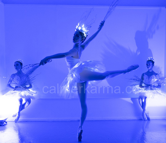 LED ILLUMINATED DANCE ACTS TO HIRE - ICE BALLET DANCER TROUPE STAGED XMAS PARTY ACT