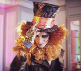 ALICE IN WONDERLAND MAD HATTER THEMED MAGICIAN HIRE