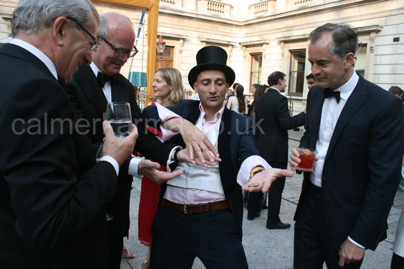 MAGICIANS TO HIRE LONDON MANCHESTER UK