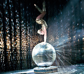 WINTER WONDERLAND THEMED ENTERTAINMENT - MIRROR BALL ACROBATIC ACT