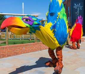 RAINFOREST INTERACTIVE PARROTS WALKABOUT ACT ENTERTAINERS TO HIRE