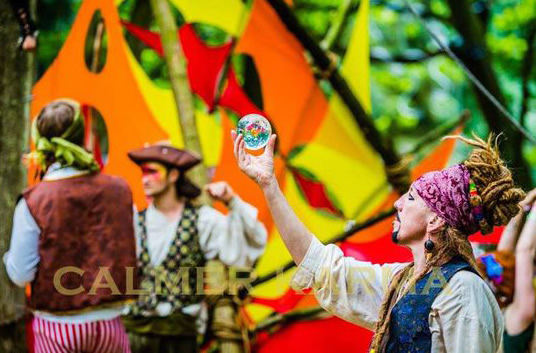 PIRATE THEMED ENTERTAINMENT - PIRATE JUGGLERS TO HIRE LONDON & MANCHESTER