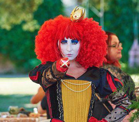 ALICE IN WONDERLAND ACTS - RED QUEEN LOOKALIKE PERFORMER MANCHESTER
