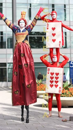 ALICE IN WONDERLAND THEMED ENTERTAINMENT - RED QUEEN STILTS AND ACROBATIC CARDS -UK