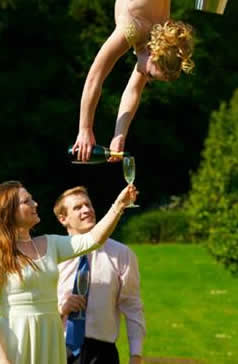 MIDSUMMER NIGHTS DREAM THEMED ENTERTAINMENT - AERIAL CHAMPAGNE SERVICE UK