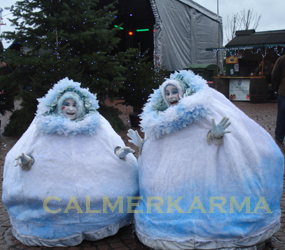 CHRISTMAS ENTERTAINERS TO HIRE  -THE NAUGHTY SNOWBALLS ACT