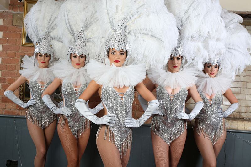 SHOWGIRLS TO HIRE - VINTAGE SHOWGIRLS VEGAS, GATSBY, GREATEST SHOW THEMED EVENTS UK