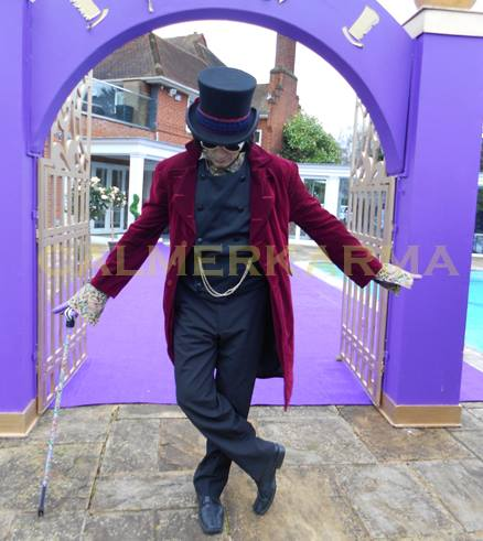 WILLY WONKA LOOKALIKE PERFORMER TO HIRE MANCHESTER LONDON BRISTOL UK