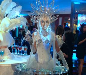 winter themed party entertainment - WINTER KISSES - LIVING CANAPE LED ACT TO HIRE