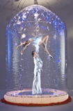 WINTER WONDERLAND THEMED ENTERTAINMENT ACROBATIC ICE BUBBLE -STUNNING!