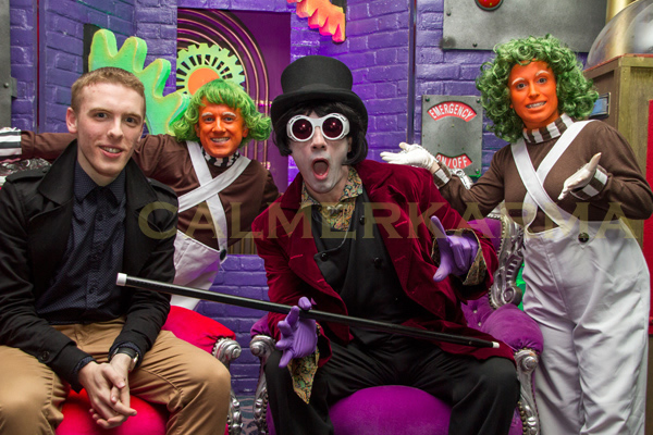 WILLY WONKA THEMED ENTERTAINMENT - WILLY WONKA LOOKALIKE AND DWARF OOMPA LOOMPAS
