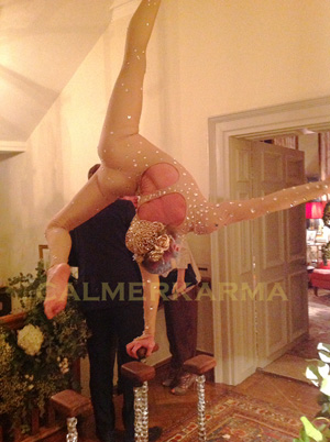 ACROBATIC ACTS TO HIRE - DIAMONTE HAND BALANCING ACROBAT LONDON MANCHESTER UK