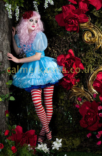 ALICE IN WONDERLAND THEMED ENTERTAINMENT - ALICE PERFORMER TO HIRE UK