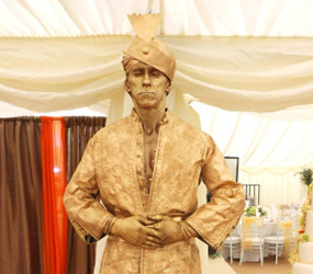 ARABIAN NIGHTS THEMED LIVING STATUES TO HIRE