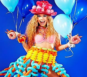 WILLY WONKA THEMED PARTIES BALLOON DRESS MODELS AND HOSTESSES TO HIRE
