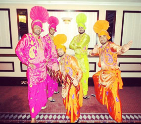 BOLLYWOOD THEMED ENTERTAINMENT - bhangra dancers to hire UK