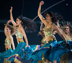 BOLLYWOOD DANCERS , BOLLYWOOD WORKSHOPS AND BOLLYWOOD FLASH MOBS TO HIRE UK