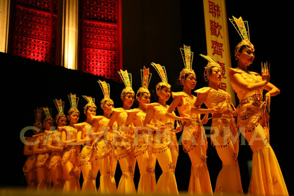 CHINESE ENTERTAINMENT TO HIRE - CLASSICAL CHINESE DANCERS -STAGED ACT