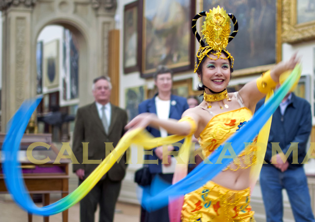 CHINESE DANCERS TO HIRE - LONDON, MANCHESTER, BRISTOL AND BIRMINGHAM - STUNNING RIBBON DANCERS