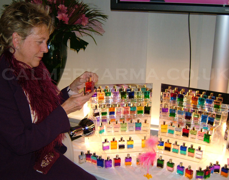 COLOUR BOTTLE READERS TO HIRE FOR PARTIES AND EVENT ENTERTAINMENT