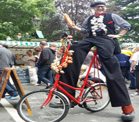 FRENCH THEMED TALL BIKE PERFORMERS TO HIRE UK